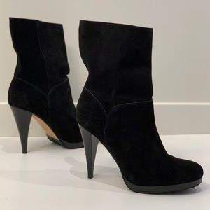 COLE HAAN new Nike Air black suede booties 🖤
